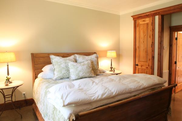 Cottonwood Bedroom.jpg