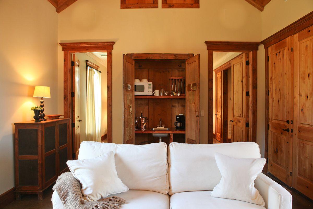 Cottonwood Living Room.jpg