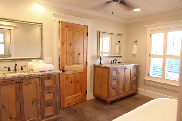 Quad Bathroom with Vanities.jpg