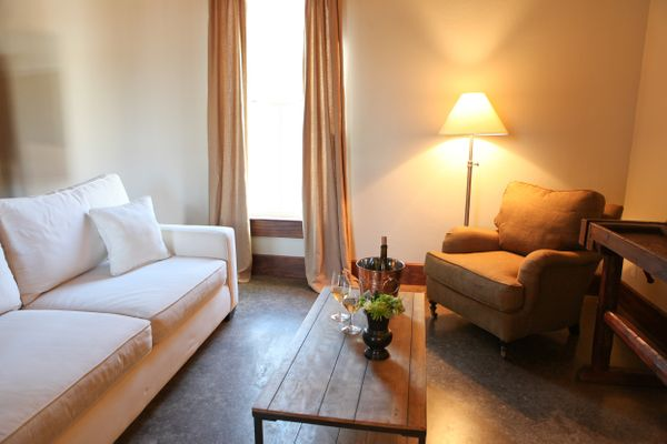 Laurel Living Room 2.jpg