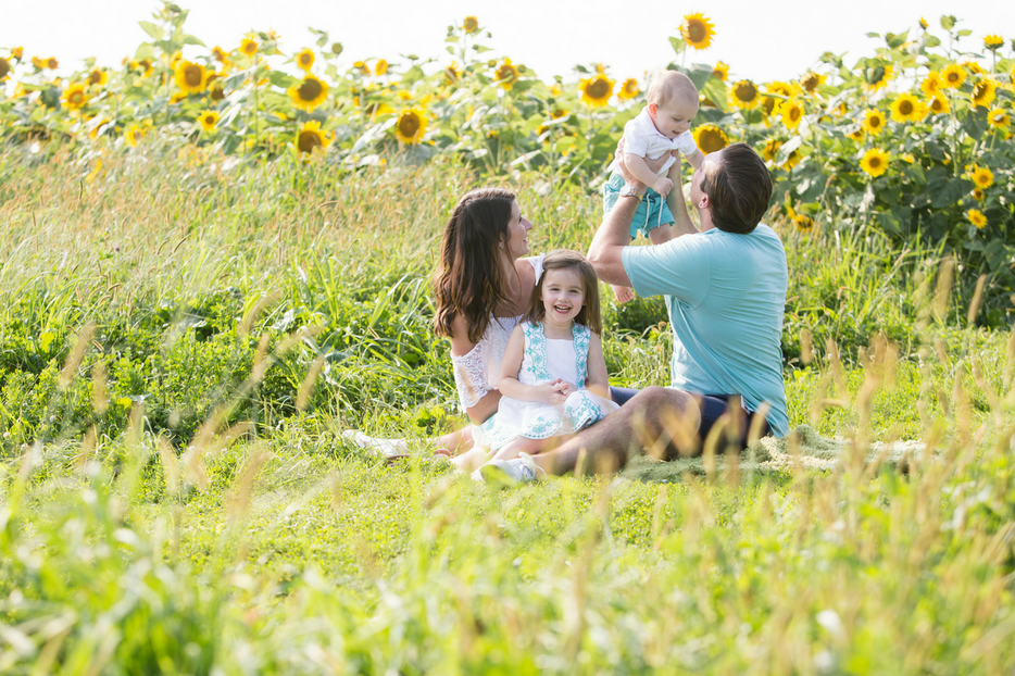 Family Pictures Sunflower Field