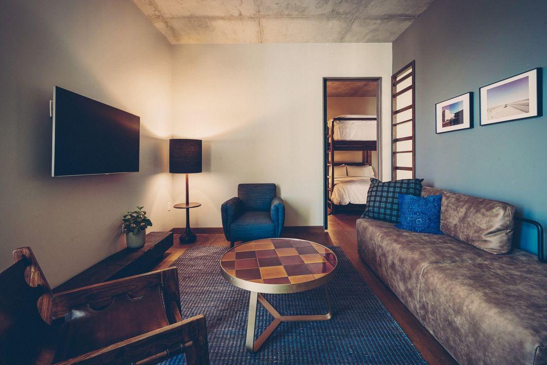 Bunkroom suite lounge