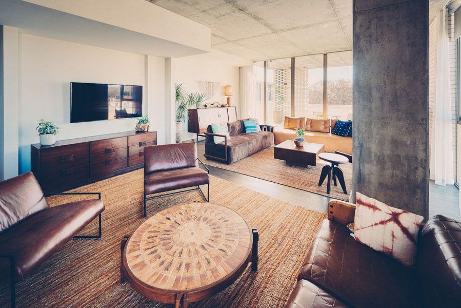 Milton Suite lounge area