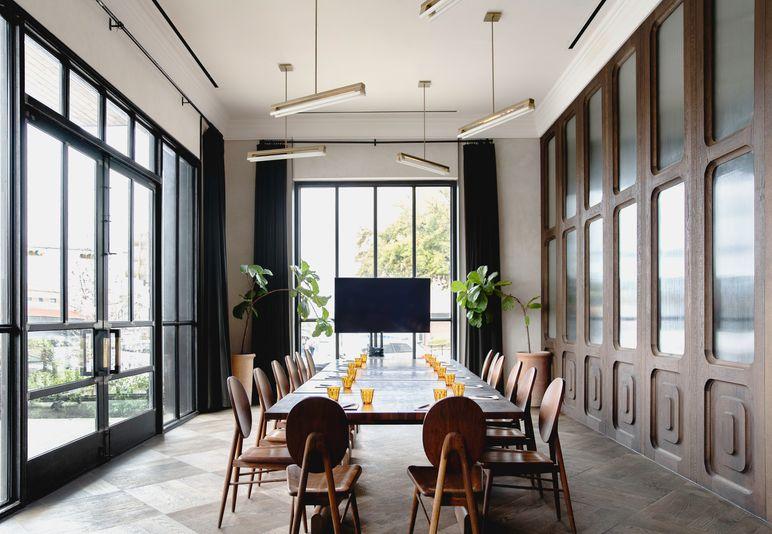 central_standard_dining_room_horizontal.jpg
