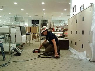 Electrical_Conduit_Locate_At_Castleton_Mall_In_Indianapolis_Indiana.jpg