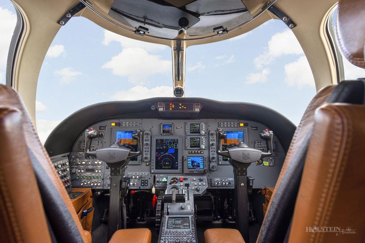 2011 Citation CJ1+ - 525-0700 - N884JG - Cockpit RGB.jpg