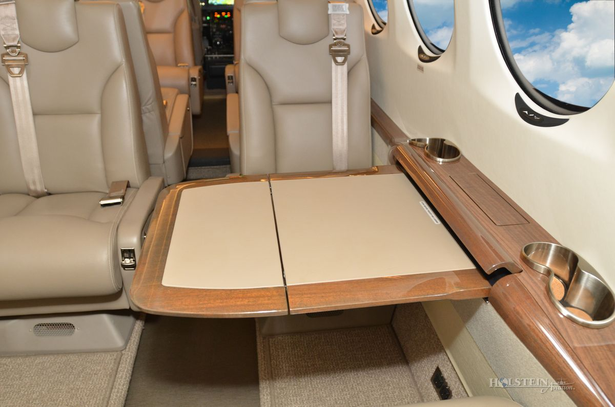 1999 King Air 350 - FL-233 - N950TM - Int - Cabin Seat w-Tbl Ext RGB.jpg