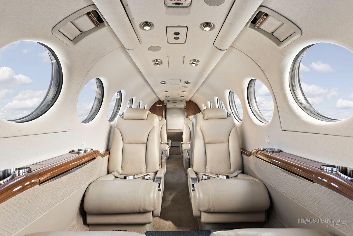 2012 King Air 350i - FL-822 -  N935JC - Int - Fwd Fac Aft w-Door Open RGB.jpg