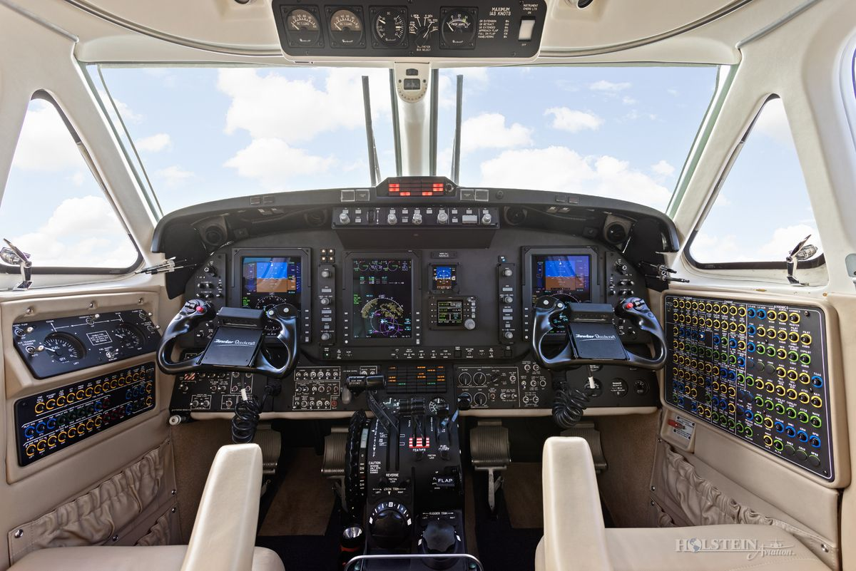 2012 King Air 350i - FL-822 -  N935JC - Cockpit RGB.jpg