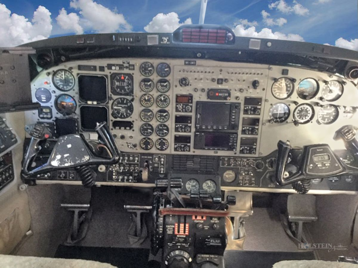 1999 Beech King Air B200 - BB-1643 - VH-LWO - Cockpit RGB.jpg