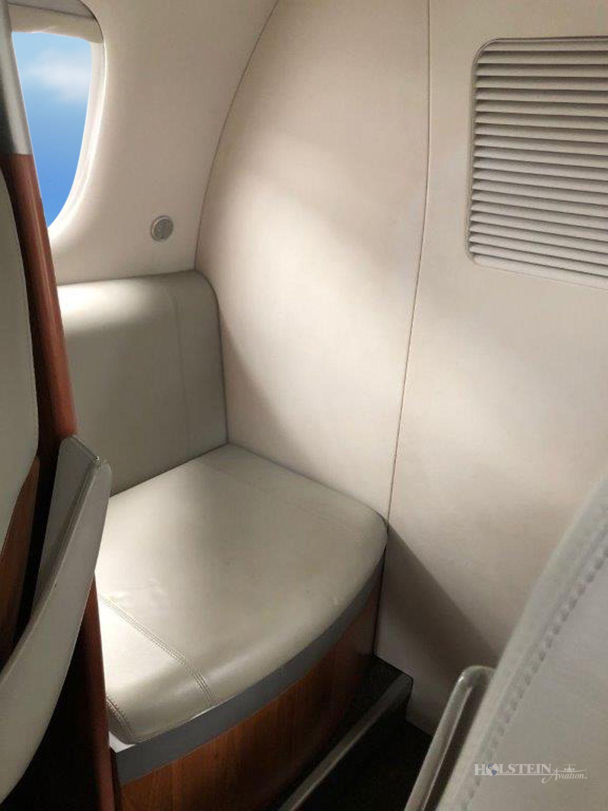 2011 Embraer Phenom 100 - SN 50000237 - VH-FJP - Int - Lav RGB.jpg