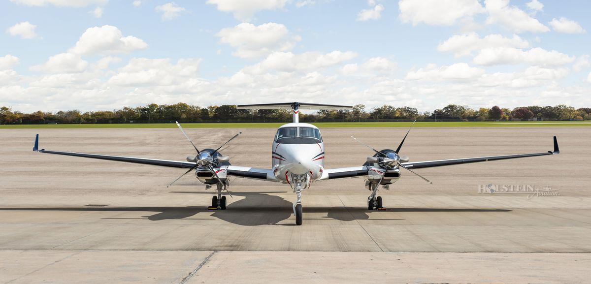 2019 King Air 350i - FL-1206 - N1994G - Ext - Head-on 2 RGB.jpg
