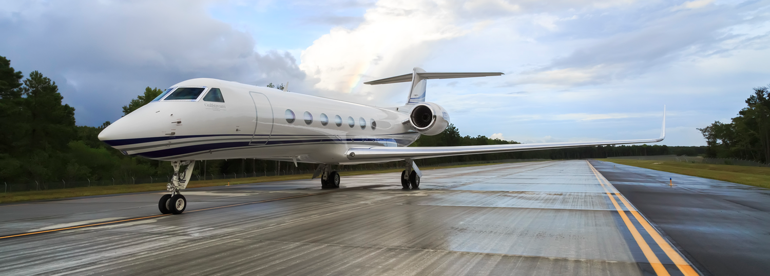 J-(ACQUISITIONS-BUY-AN-AIRCRAFT)-Gulfstream_G550_Ground_3.jpg