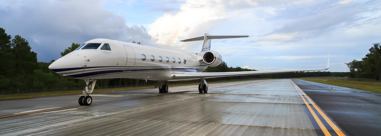 J-(ACQUISITIONS-BUY-AN-AIRCRAFT)-Gulfstream_G550_Ground_3.jpg