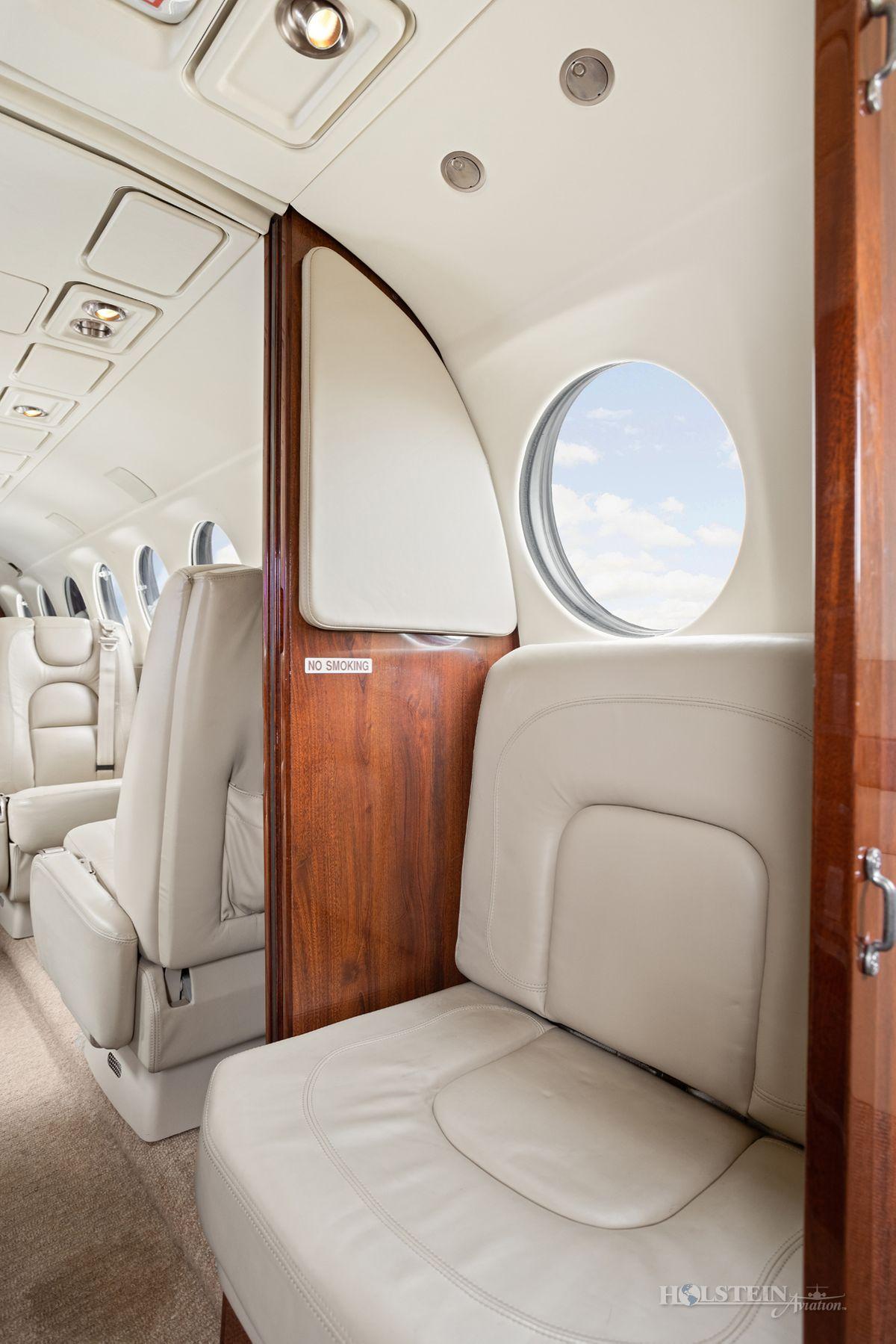 2002 King Air 350 - FL-355 - N685BC - Int - Belted Lav Seat RGB.jpg