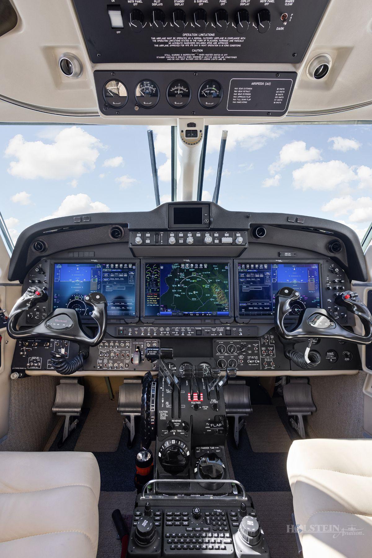 2018 King Air 250 - BY-342 - N94MJ - Cockpit Pedestal RGB.jpg
