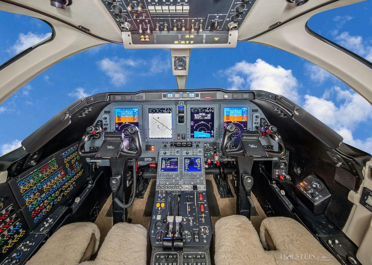 2002 Beechjet 400A - RK-339 - N404LR - Cockpit RGB.jpg