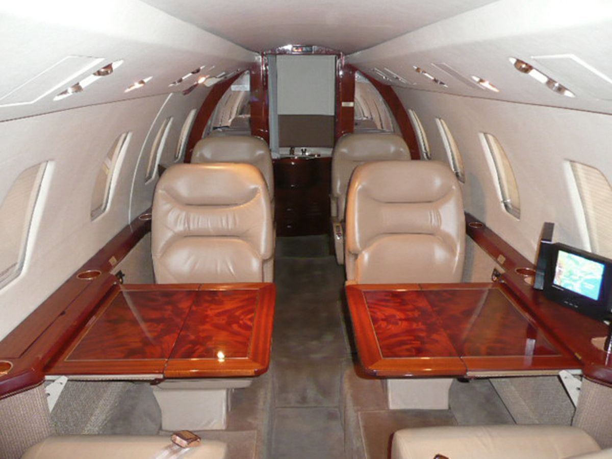 1994 Cessna Citation 650 - 650-7044 - N650CJ - Int - Fwd Fac Aft - Tbls Ext - RGB.jpg