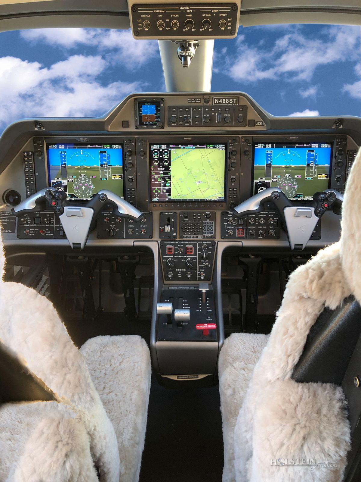 2011 Embraer Phenom 100 - 50000237 - N468ST - Cockpit RGB.jpg