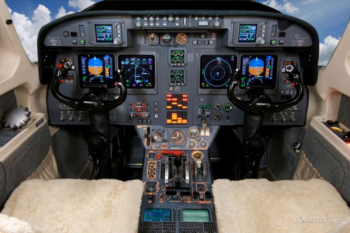 1999 Astra SPX, SN 105, N585RL - Cockpit RGB.jpg