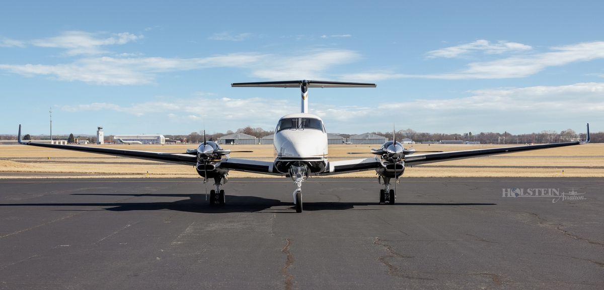 2012 King Air 350i - FL-822 -  N935JC - Ext - Head-on RGB.jpg