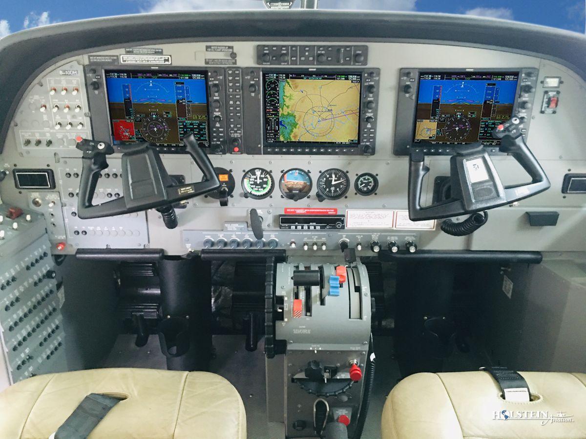 2016 Cessna Caravan 208B EX - SN 208B5262 - B-10FG - Cockpit RGB.jpg