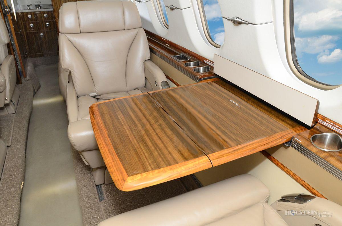 2006 Hawker 850XP - 258798 - N850TM - Int - Cabin Seat wTbl Ext RGB.jpg