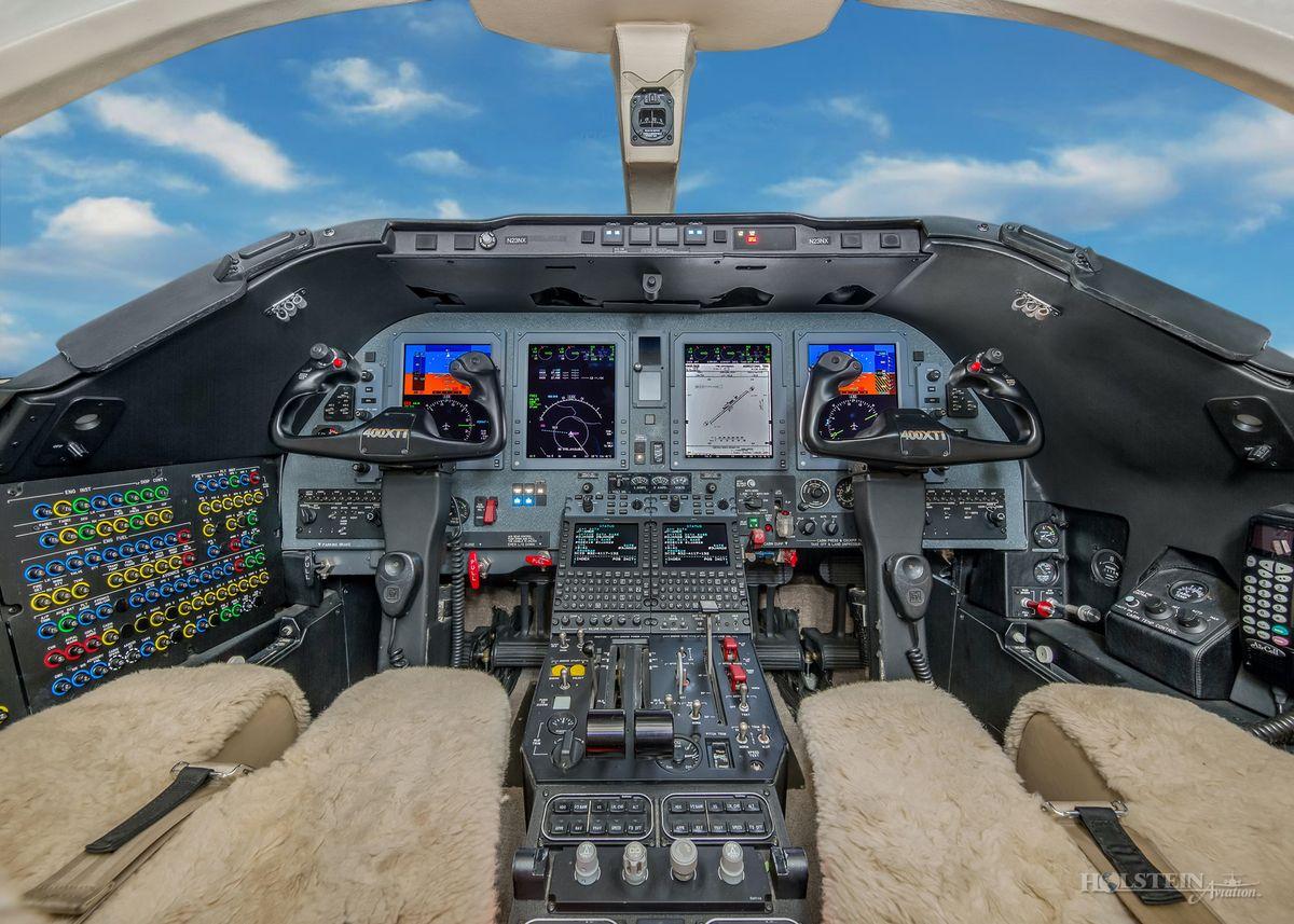 2014 Nextant 400XTi - RK-234 - N23NX - Cockpit RGB.jpg