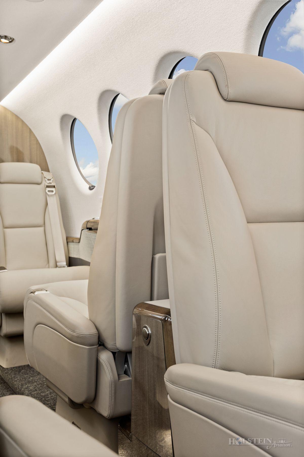 2019 King Air 350i - FL-1206 - N1994G - Int - Seats CU 2 RGB.jpg