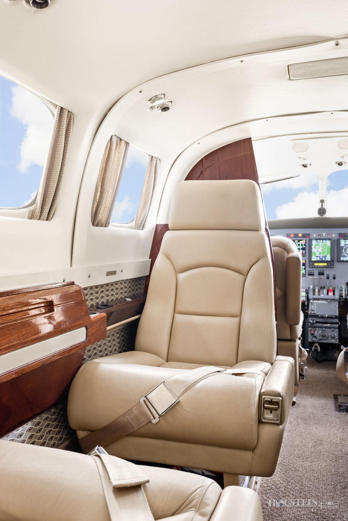 1978 Cessna Conquest II - 441-0012 - N369WK - Int - Seat CU-w RGB.jpg