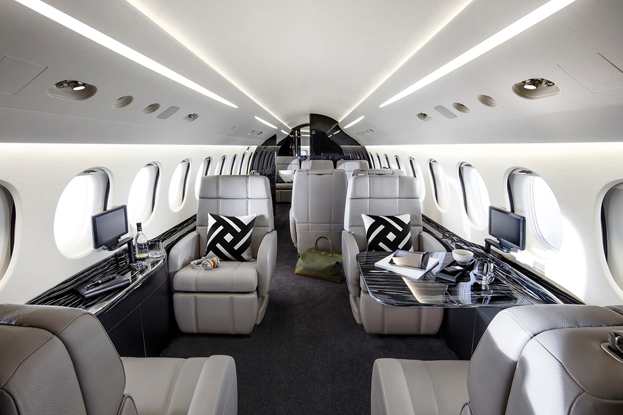 (BROKERAGE SELL YOUR AIRCRAFT) Falcon 8X interior 1.jpg