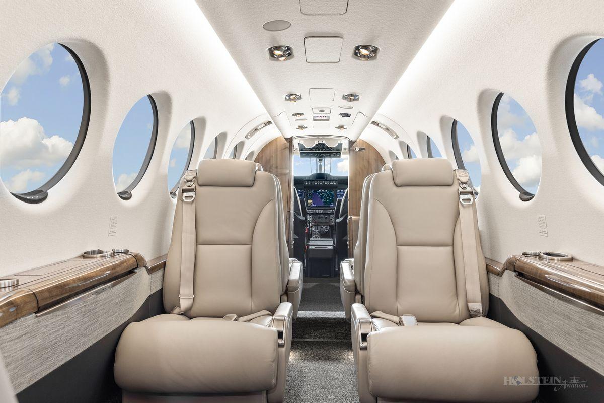 2019 King Air 350i - FL-1206 - N1994G - Int - Aft Fac Fwd 2 RGB.jpg