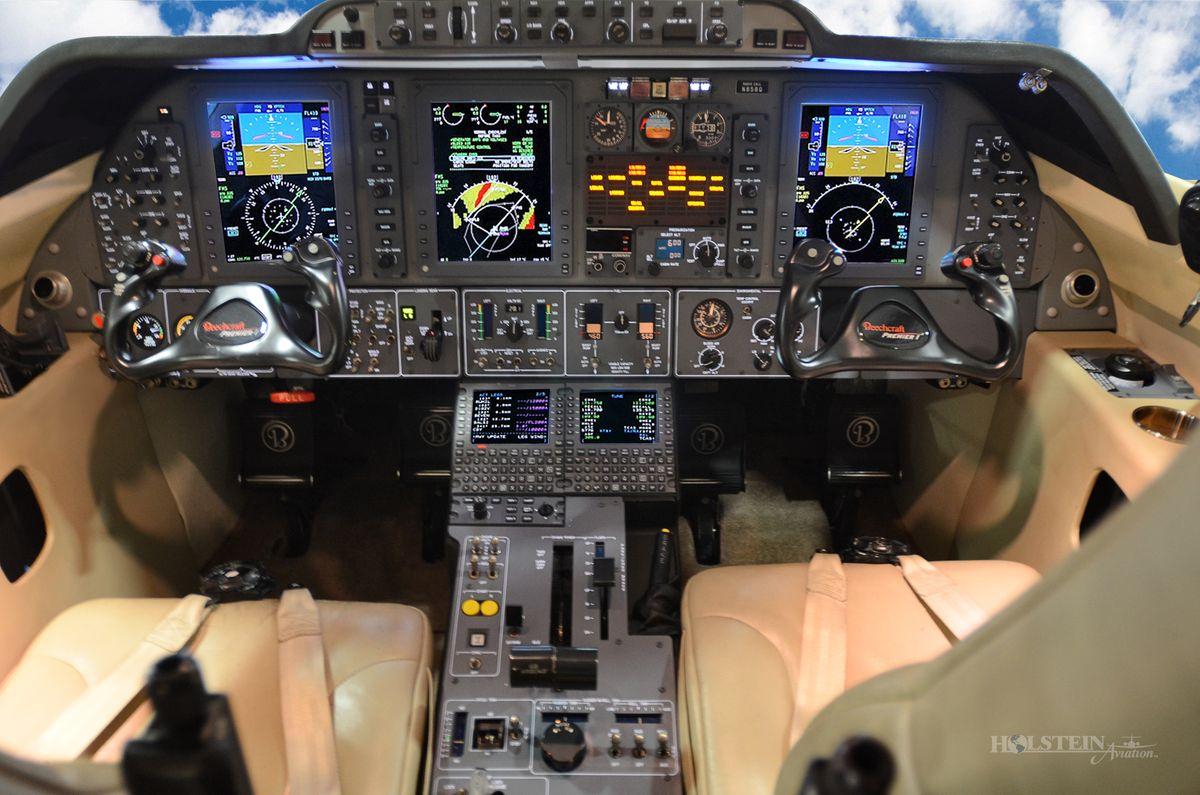 2009 Premier lA - RB-269 - N858Q - Cockpit RGB.jpg