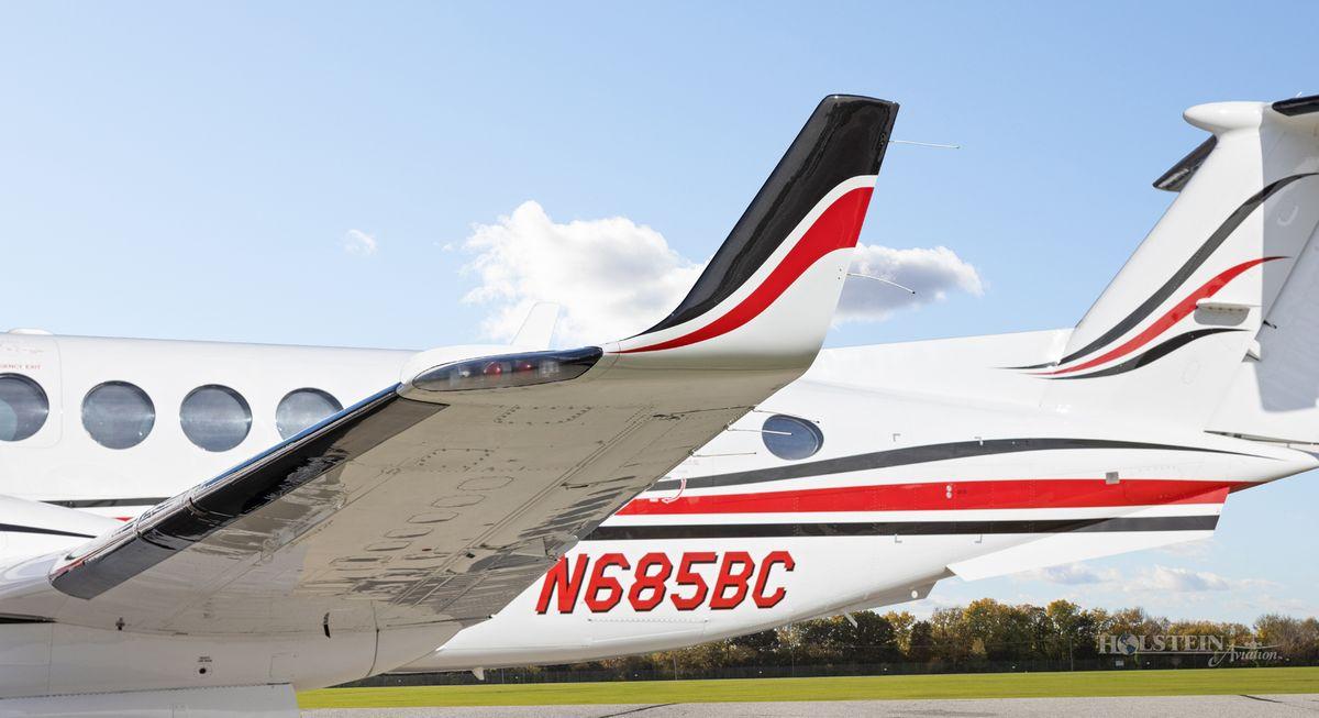 2002 King Air 350 - FL-355 - N685BC - Ext - LS Winglet RGB.jpg