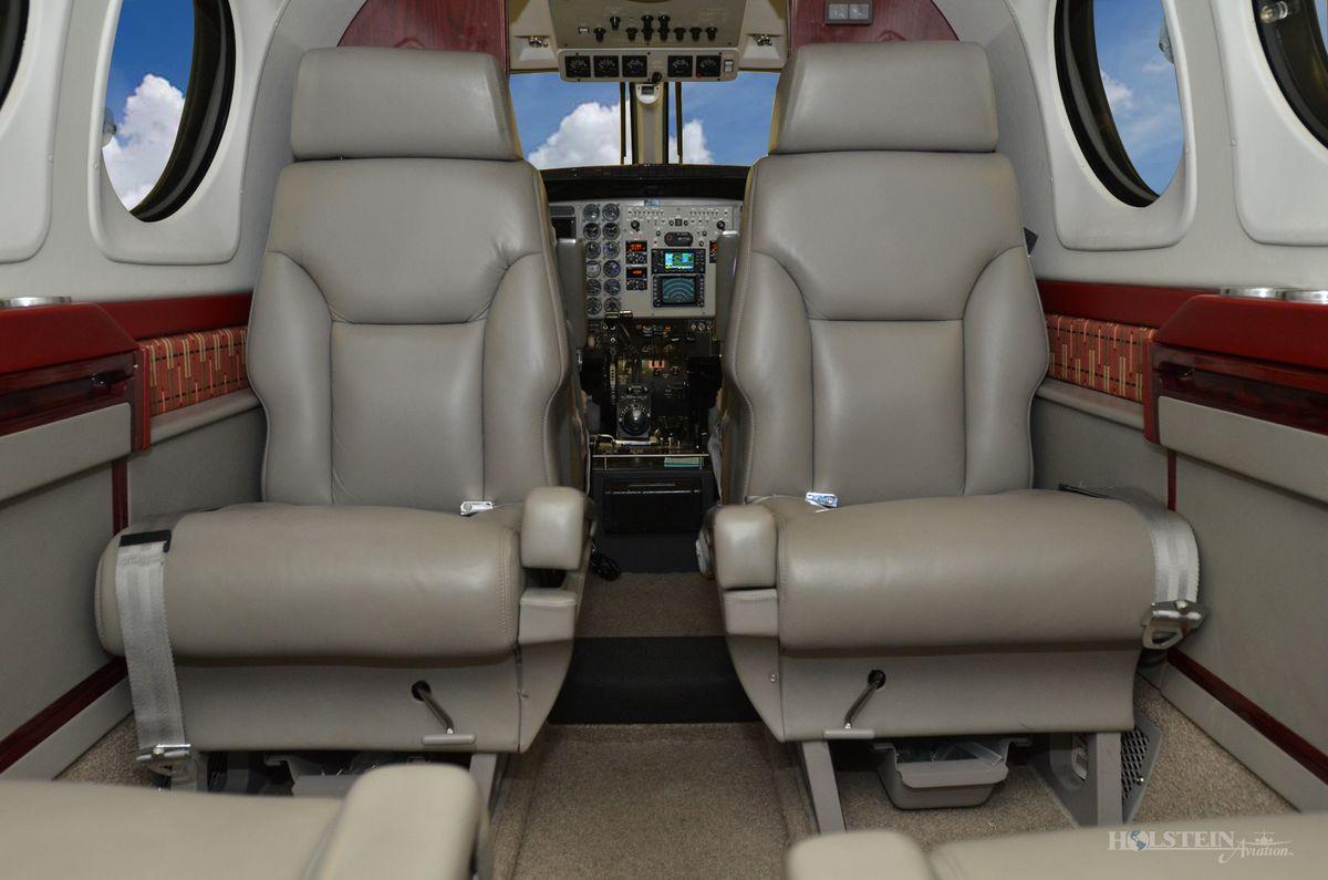 1998 King Air C90B - LJ-1531 - N150GW - Int - Aft Fac Fwd RGB.jpg