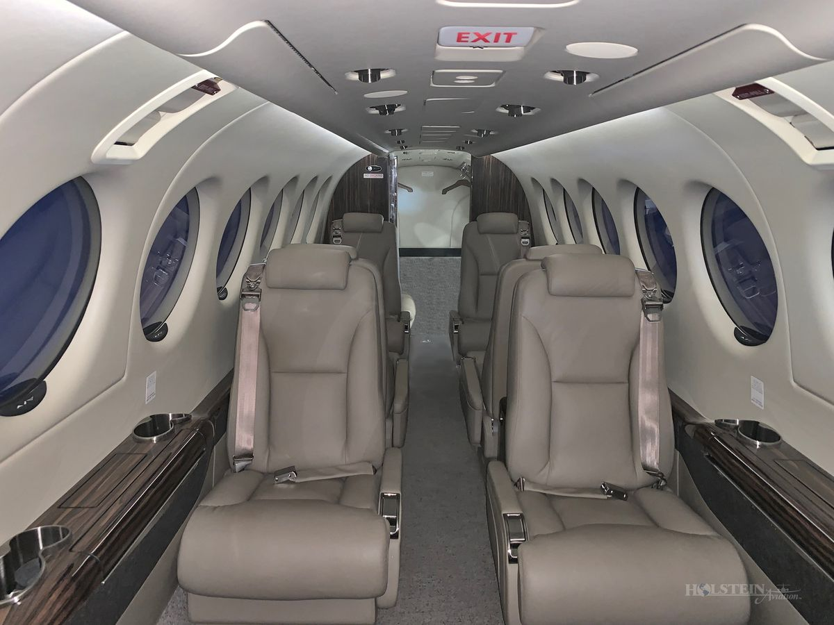2017 King Air 350i - Off Market - Int - Fwd Fac Aft RGB.jpg