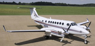 FL-414-2004-King-Air-350-Ext-High-Rt-Front-Qtr-View-RGB-320x155.jpg