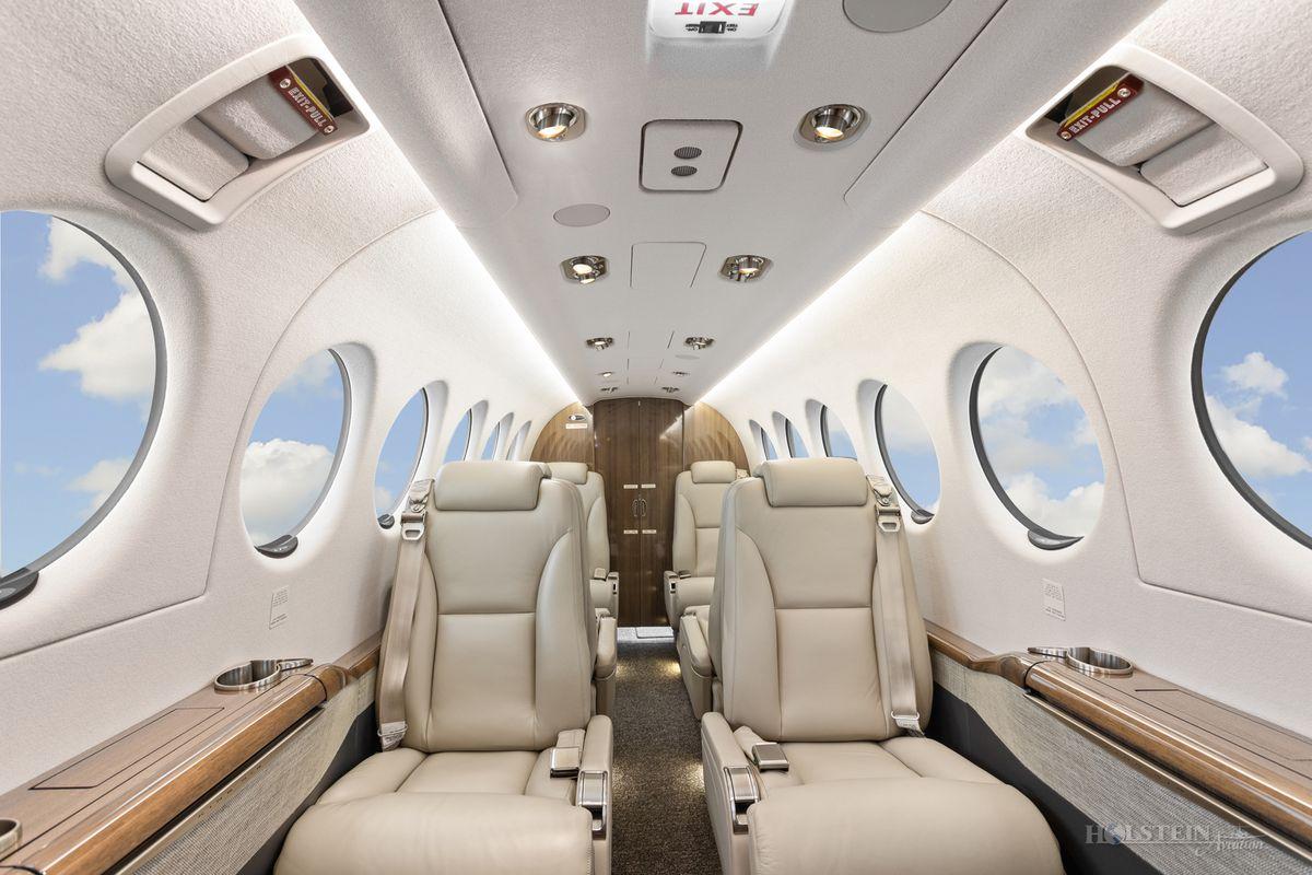 2019 King Air 350i - FL-1206 - N1994G - Int - Fwd Fac Aft 2 RGB.jpg