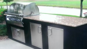 Outdoor_natural_gas_kitchen.jpg