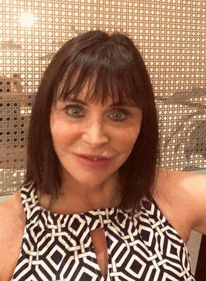 Julia Hoy, Austin Aestheticians