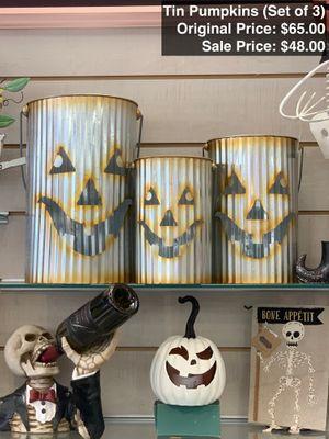 4. Tin Pumpkins (Set of 3).jpeg