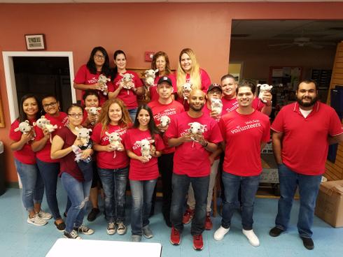Wells Fargo Volunteers 9.21 (1).jpg
