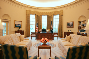 OvalOfficeReplica_NARA and George W Bush Presidential Center.jpg