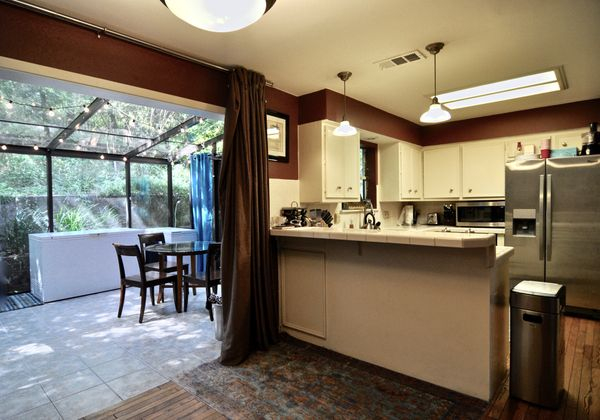 7322 Cave Hollow Kitchen Sun Room (edit hi DSC_0653).jpg
