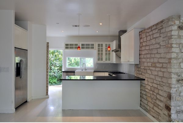 4214 Wilshire Kitchen (edit DSC_0163).jpg