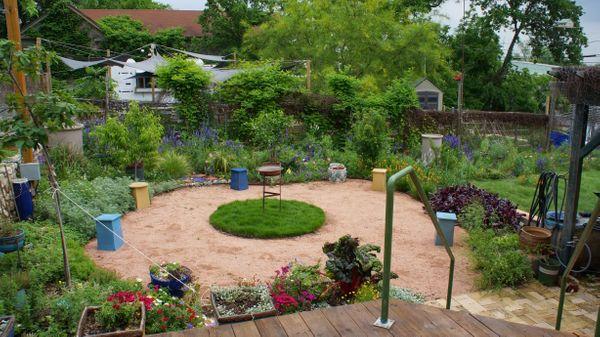 1209 E 6th Clients Garden-05:15.jpg