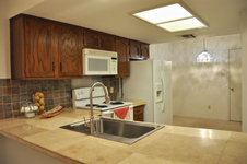 7211 Lakewood Kitchen (edit 2014-09-04 19.00.02).jpg