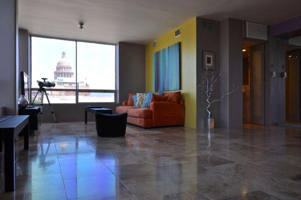 Penthouse 502 Living4 (edit med DSC_0641).jpg