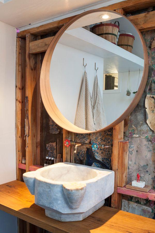 1313 Comal Bath 3 AC7225w.jpg