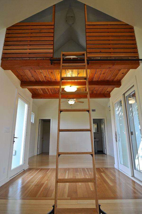 1714 S. 5th - loft (edit DSC_0264_2).jpg